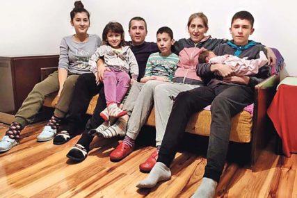 SREĆA KOJA SE RIJEČIMA NE MOŽE OPISATI Majka petoro djece poslala veoma važnu poruku SVIMA