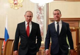 POLITIČKA PREVIRANJA U RUSIJI Šta se ZAISTA KRIJE iza ostavke Medvedeva i raspuštanja vlade