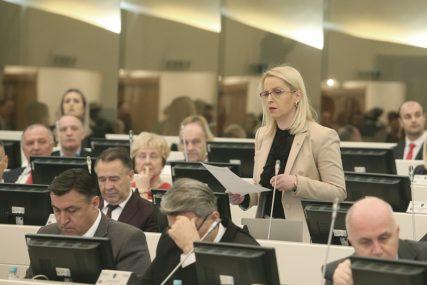 NEŠIĆ PRIJEDLOG NAZVAO SRAMOTNIM Bursać: SNSD će podržati prijedlog budžeta za ovu godinu