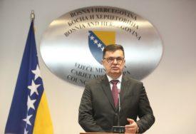 MJERA ZA KONTROLU PANDEMIJE Tegeltija: Početkom jula otvaranje granice BiH za građane EU
