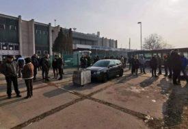 Gradonačelnik jasno rekao da im NEĆE POMOĆI: Radnici odblokirali Autobusku stanicu u Zenici