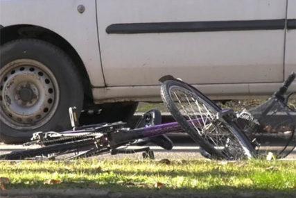 NESREĆA U MODRIČI Policajac sa službenim vozilom udario maloljetnog biciklistu