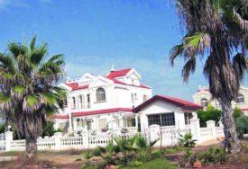 DETALJI OSTAVLJAJU BEZ TEKSTA Ceca je ovu vilu kupila na kredit i trenutno odmara u njoj (FOTO)