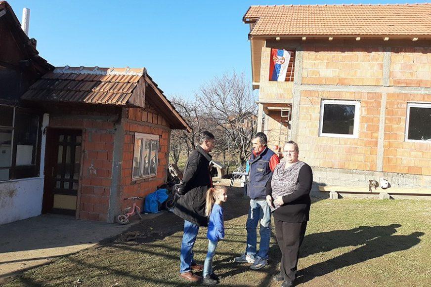 KROV NAD GLAVOM DO PROLJEĆA Četiri porodice dobiju novi dom, a NAJMLAĐI SU I NAJSREĆNIJI