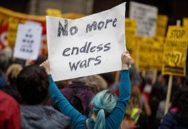 ANTIRATNI MITING Demonstranti u Vašingtonu traže povlačenje vojnih snaga iz Iraka (FOTO)