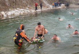 BOGOJAVLJENSKA TRADICIJA Prvi put plivanje za Časni krst u Foči