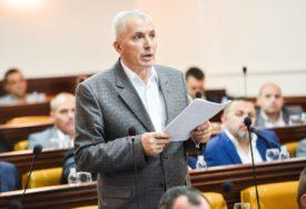 """""""ZAŠTO GRADONAČELNIK ĆUTI"""" Savanović o rušenju kina Kozara"""