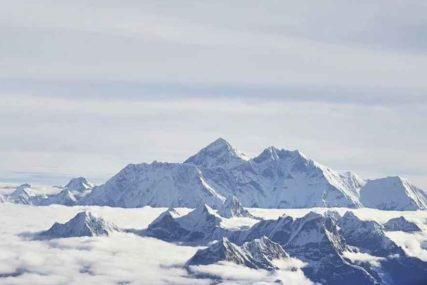 ZELENI SE MONT EVEREST Trava na vrhu svijeta dokaz ZASTRAŠUJUĆE klimatske promjene (FOTO)