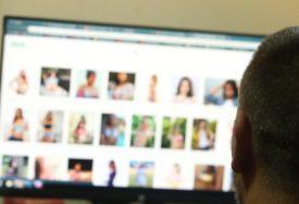 Ucjenjivali ga preko Fejsbuka: Mladić i djevojka prijetili da će kompromitujuće fotografije muškarca proslijediti ŽENI I DJECI