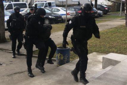 REZULTATI POLICIJSKE AKCIJE U BANJALUCI Drogu davala prijateljima, a greškom ZAPALILI BMW