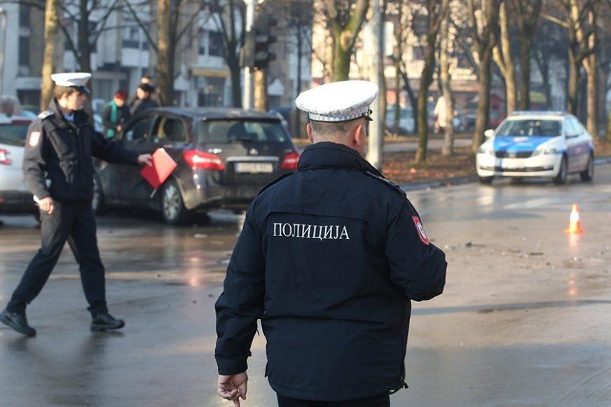 NEODGOVORNI NIKAKO DA SE SMIRE Policija Srpske kaznila 50 građana zbog kršenja zabrane kretanja