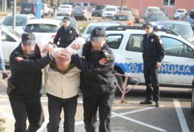 TRAŽI DA SE BRANI SA SLOBODE Ljekar osumnjičen za blud najavio ŠTRAJK GLAĐU