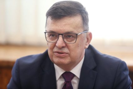 """""""NEOPHODNE IZMJENE IZBORNOG ZAKONA"""" Tegeltija poručio da je preoptimistično da će BiH ove godine dobiti kandidatski status"""