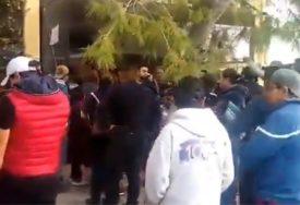 STRAVA U ŠKOLI Dječak pucao na ĐAKE I NASTAVNIKE, ima mrtvih (VIDEO)