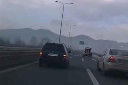 SANKAMA PO AUTO-PUTU Policija identifikovala odgovorne, čeka ih novčana kazna (VIDEO)