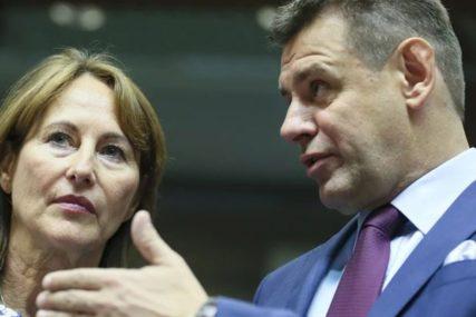 SA BRATOM PIJAN DEMOLIRAO RESTORAN Slovački ministar podnio ostavku