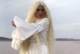 NEPREPOZNATLJIVA Pjevačica napravila drastičnu promjenu (FOTO)