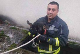 NEŠTO SLAĐA INTERVENCIJA OD GAŠENJA POŽARA Banjalučki vatrogasci SPASLI PSA iz kanala (FOTO)