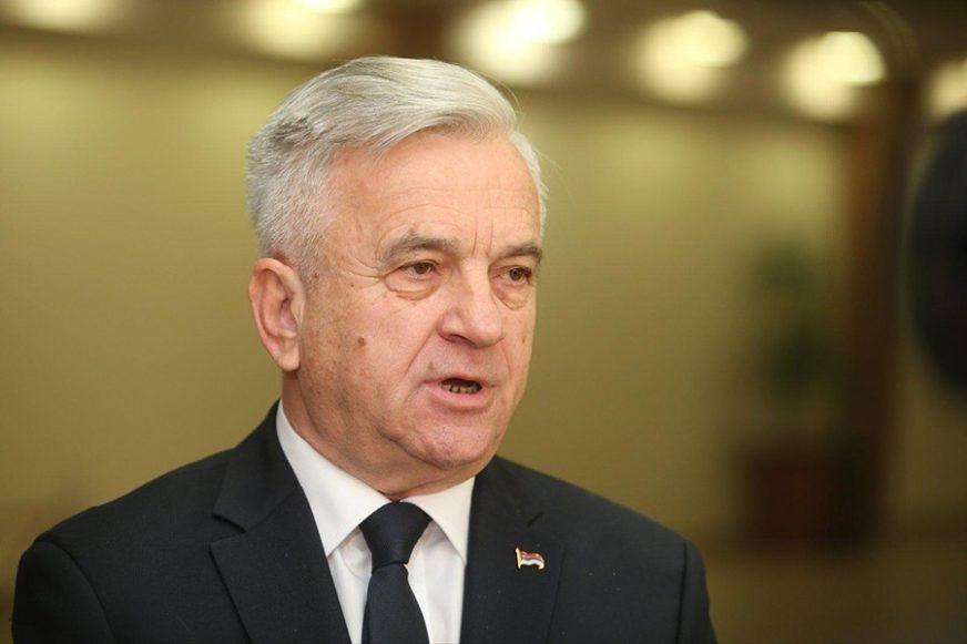 Čubrilović PORUČUJE: Između Demosa i SNSD NEMA TRZAVICA