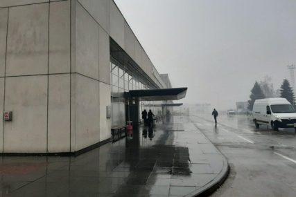 JEDNA OD NAJPOGOĐENIJIH GRANA PRIVREDE Sarajevski aerodrom od marta bilježi smanjenje obima putnika za 90 odsto