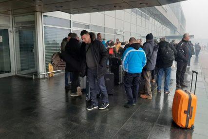 NOVINARSKE MUKE Nisu poletjeli iz Sarajeva, ali znaju kako da prekrate vrijeme (FOTO)