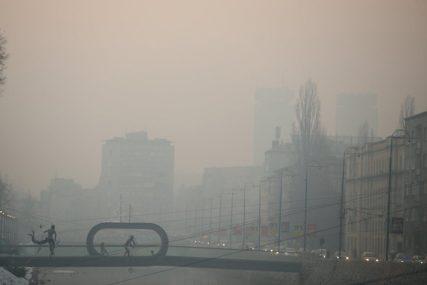 SARAJEVO DRUGI NAJZAGAĐENIJI GRAD U SVIJETU Zbog slabe vidljivosti odgođeni letovi, preporučuje se nošenje maske