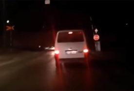 SREĆOM IZBJEGNUT SUDAR Voz prolazi, a rampa podignuta (VIDEO)