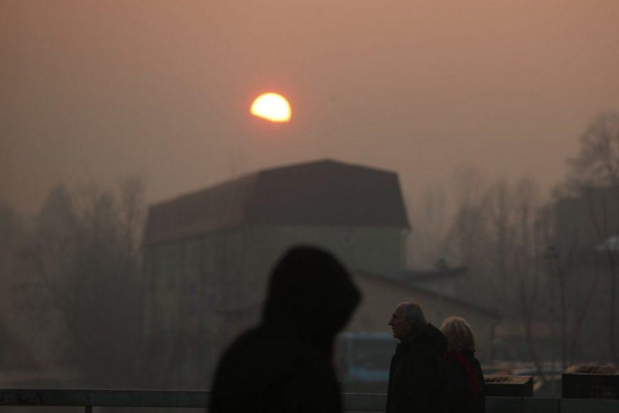 IZBJEGAVATI BORAVAK NA OTVORENOM Sarajevo i jutros najzagađeniji grad na svijetu