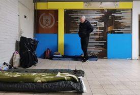 BLOKADA AUTOBUSKE STANICE Štrajkačima glađu priključilo se još šest radnika Zenicatransa