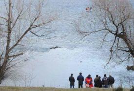 KRIJUMČARU PLAĆALI I PO 8.000 EVRA Austrijska policija pronašla 40 migranata u hladnjači