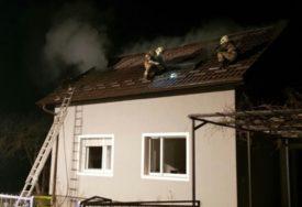 ZAPALIO SE DIMNJAK Požaru u porodičnoj kući u Prijedoru, vatrogasci spriječili širenje vatre