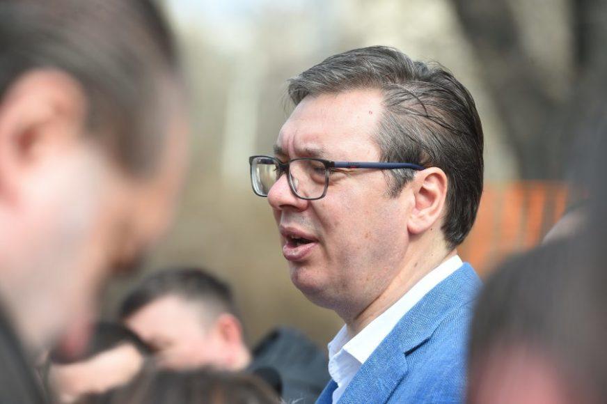 """""""TRUDIM SE DA BUDEM KOREKTAN"""" Vučić poručio da je sit moralnih pridika iz BiH"""