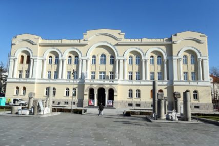 KASTEL RAZDVOJITI OD BANSKOG DVORA Prvi korak u osnivanju Muzeja grada Banjaluka