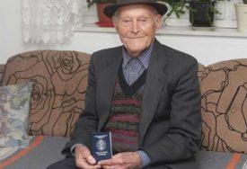 Zdravstvenu knjižicu dobio u 99. godini: Ljubomir na pragu 11. decenije ne zna za bolest