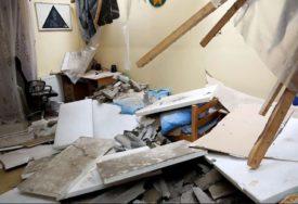 NEMA KOME DA SE OBRATI ZA POMOĆ Cigle urušile krov i uništile kuću majci sa dvoje djece