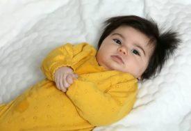 Rođena je sa toliko gustom i crnom kosom da su je roditelji prozvali KIM DŽONG UN (FOTO)