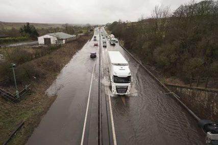 DEVET OSOBA POVRIJEĐENO U NEVREMENU Jake oluje izazvale saobraćajni kolaps u Njemačkoj