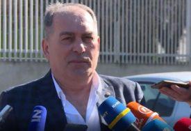 SUD MEKTIĆU ODREDIO MJERE ZABRANE Bivši ministar bezbjednosti optužen za zloupotrebu položaja