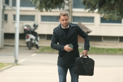 """STANIVUKOVIĆ ODGOVORIO KUSTURIĆU """"Da li su svi respiratori isporučeni i gdje su"""""""