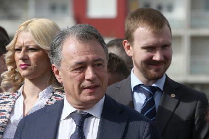Perović: Velika potražnja za ruskom vakcinom, Srpska prioritet u isporuci