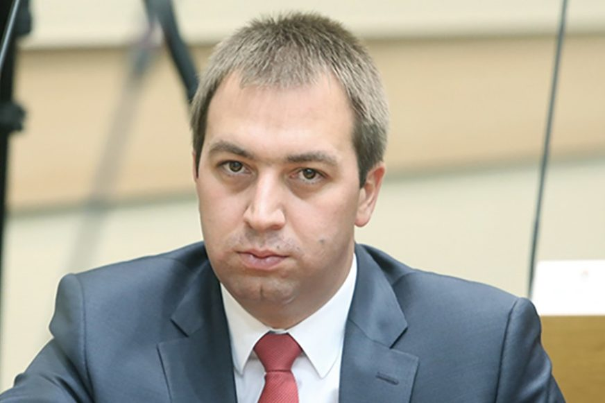 SMIJENJENI GORAN I MARINA SELAK Vlada Republike Srpske donijela odluku na vanrednoj sjednici