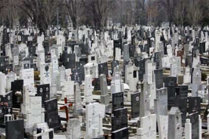 """Ožalila sebe za života"" Marija sama sebi podigla spomenik, a tužan natpis na njemu širi se internetom (FOTO)"