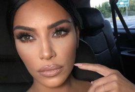 """""""ZAUSTAVLJAJU ME NA ULICI"""" Potrošila bogatsvo kako bi izgledala kao Kim Kardašijan (FOTO)"""