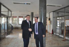 PRIORITET PRUGA ZVORNIK - TUZLA Poruke iz Sarajeva sa direktorom Željeznica RS