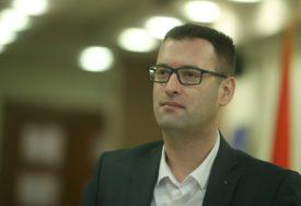"""""""SAMO ONI NEOŠTEĆENI"""" Grmuša predlaže da i poslanici primaju prosječnu platu"""