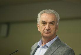 """MIRKO ŠAROVIĆ PIŠE ZA SRPSKAINFO """"Domaći proizvođači plaćaju ceh profiterskih interesa"""""""
