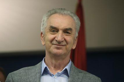 """Šarović za SRPSKAINFO: Opozicija su svi koji ne podržavaju vlast, za to nisu potrebne """"zasluge"""""""