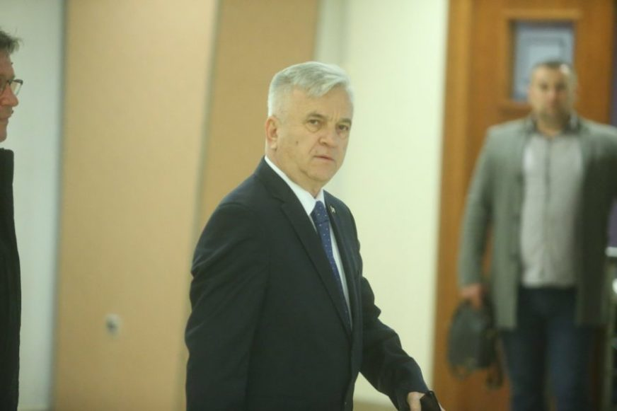 """""""PARLAMENT IMA KODEKS PONAŠANJA"""" Čubrilović rekao da ima stvari koje su do kućnog odgoja"""