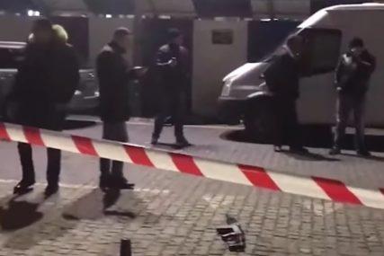 PUCNJAVA NA PIJACI Napadač ubio trudnicu i muškarca, pa presudio sebi (VIDEO)