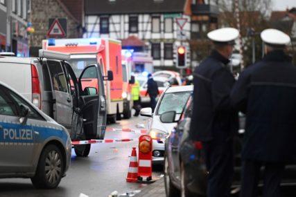 BROJ POVRIJEĐENIH PORASTAO NA 60 Na karnevalu u Njemačkoj autom uletio u povorku